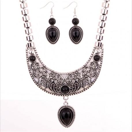 Conjuntp collar con pendientes de Plata Tibetana y piedras negras
