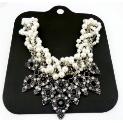 Chunky Pearls Necklace Amfithea