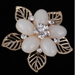 Brooch elegant flower