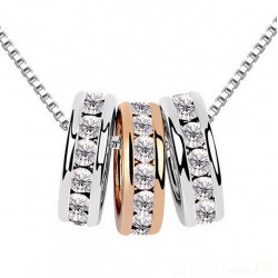 Necklace with three rings with crystals