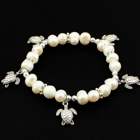 Natural pearl bracelet with turtles