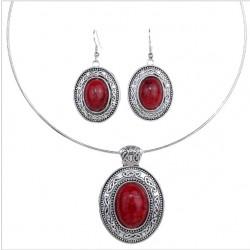 Collar con pendientes de plata tibetana con piedras ovaladas