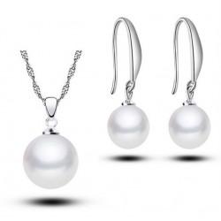 Conjunto de collar y pendientes Clasico