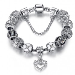 Tibetan Silver y Crystal Heart Charm Bracelet