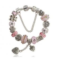 """Pulsera con charms rosas y corazones """"MADE WITH LOVE"""""""