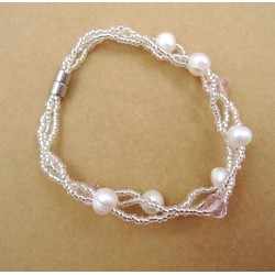 Natural fresh-water Pearl Bracelet with Crystal Beads