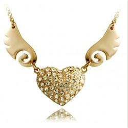 Collar dorado con corazón alado cubierto de cristales auténticos