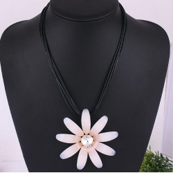 Big Pink Daisy Flower Necklace
