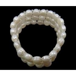 Brazalete de perlas naturales de tres vueltas