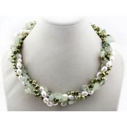 Collar trenzado de perlas blancas y verdes y Cuarzo verde