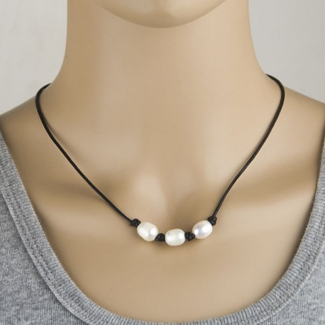 Natural Freshwater Pearl Necklace with Cowhide Cord