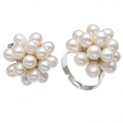 White Natural Freshwater Pearl Flower Ring
