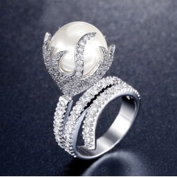 Ring for Women with Big Seashell Pearl