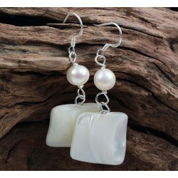 Pendientes con concha y perla natural