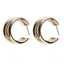 Pendientes dorados con tres circulos