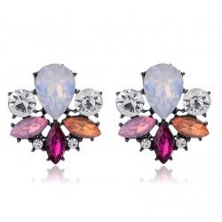 Pendientes inspirados en una bella flor, con cristales