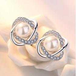 Pendientes inspirados en una preciosa rosa de plata 925 con perla y zirconitas