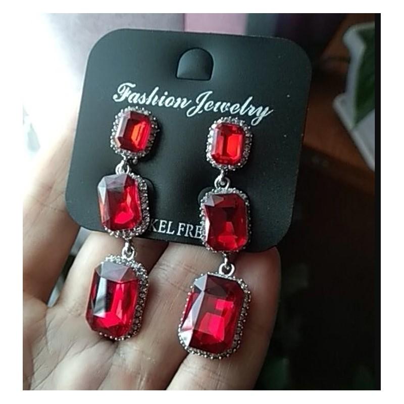 1fc047b7d Pendientes Elegance con cristales formados por colgantes en cascada