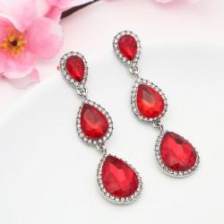 Pendientes Elegance con cristales rojos formados por tres colgantes en cascada