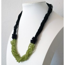 Olivine Natural Stone Chip Beads Nylon Line Necklace