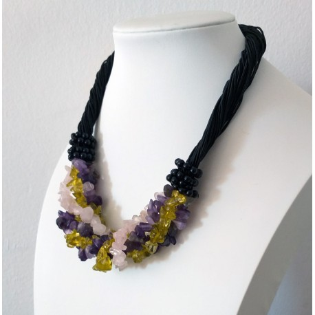 Natural Stone Amethyst, Rose Quartz and Olivine Chip Beads Nylon Line Necklace