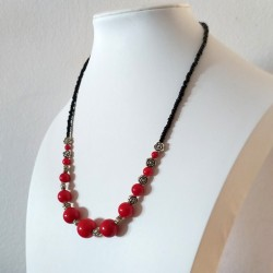 Collar de Coral rojo y rosas de Plata Tibetana