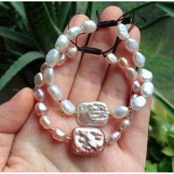 Pulsera de perlas naturales y una gran Perla Barroca rectangular