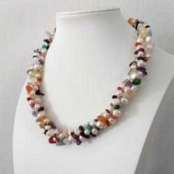 Collar trenzado de perlas y mix de piedras semipreciosas