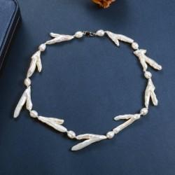 Collar con perlas singulares de Barroco Keshi en forma de rama