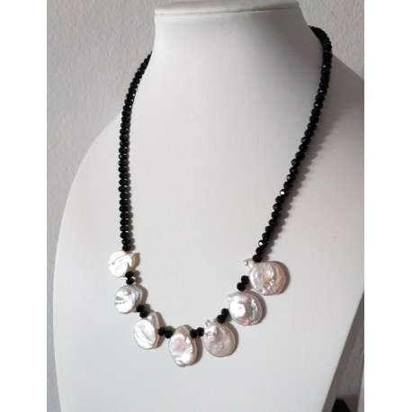 Natural Faceted Onyx Stone Necklace with White Coin Pearls