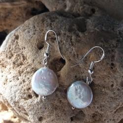 Pendientes de perla blanca de agua dulce en forma de moneda