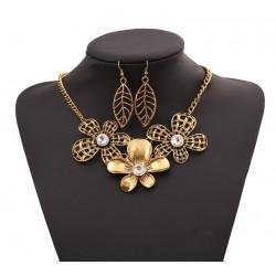 Conjunto collar y pendientes Aruba